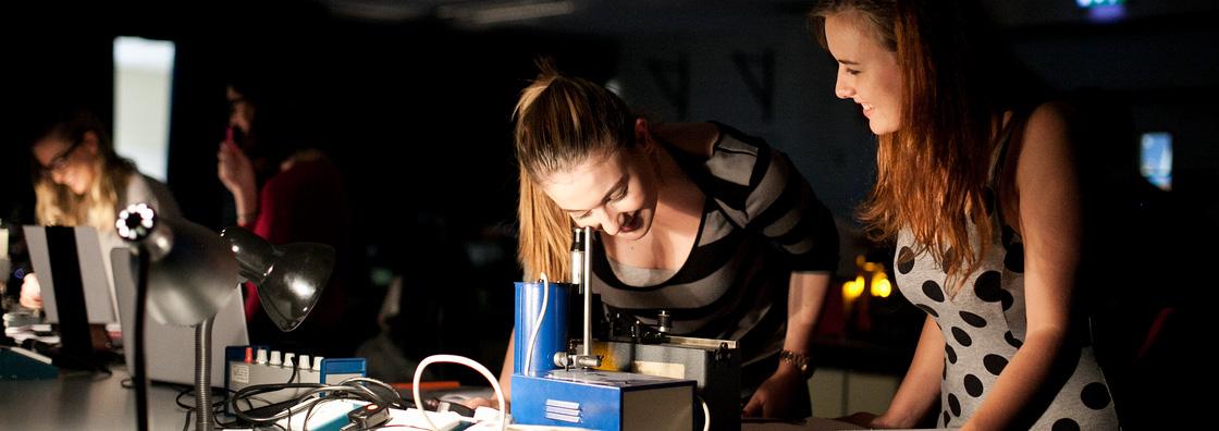 Experimental Physics - Female students Dark image - Maynooth University